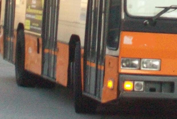 Sorpreso sul bus senza biglietto rifiuta di dire chi for Informazioni sul permesso di soggiorno
