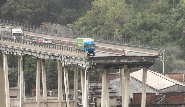 Risultati immagini per ponte morandi camion basko